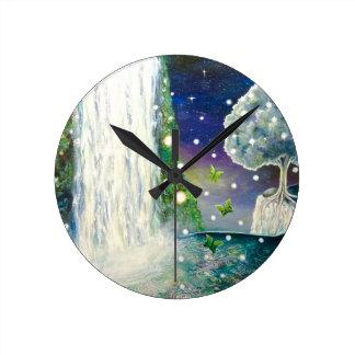 Horloge Ronde Beau dans l'horloge murale d'écoulement