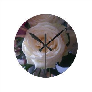 Horloge Ronde beau grand rose blanc sur l'horloge murale