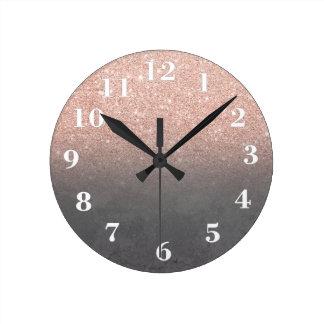 Horloge Ronde Béton gris de ciment d'or d'ombre rose de parties