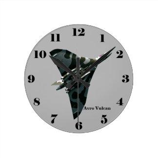 Horloge Ronde Bombardier d'aile delta d'Avro Vulcan sur le gris