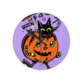 Horloge Ronde Citrouille énergique et Kitty Halloween