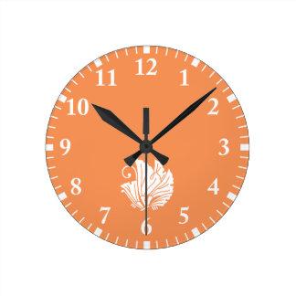 Horloge Ronde feuille Papillon-formé de ginkgo