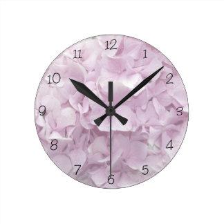 Horloge Ronde Fleur rose molle d'hortensia