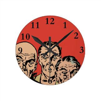 Horloge Ronde Hommes admirés