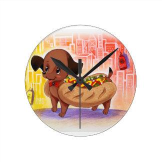 Horloge Ronde Hot-dog dans le mignon Kitschy de ville