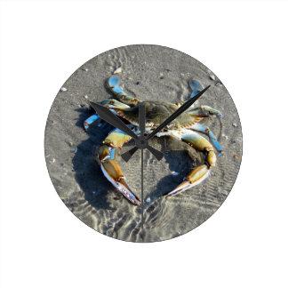 Horloge Ronde Le crabe bleu savoureux !