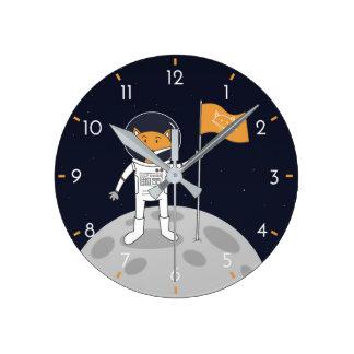 Horloge Ronde Le Fox sur la lune