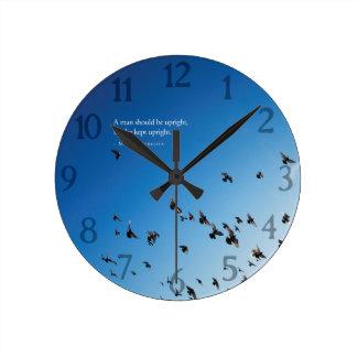 Horloge Ronde L'homme de Marcus Aurelius A devrait être citation