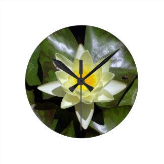 Horloge Ronde Lotus jaune et protections de lis