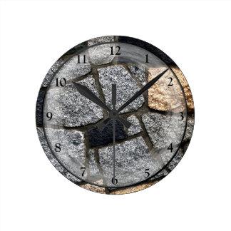 Horloge Ronde Mur en pierre