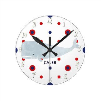 Horloge Ronde Nom bleu rouge de baleine grise nautique
