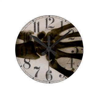 Horloge Ronde Rayon X humain noir et blanc vintage de main