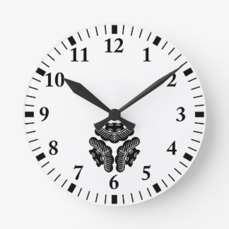 Horloge Ronde Vers l'intérieur-revêtement de trois pins