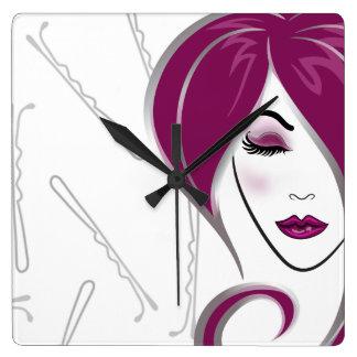 Horloge rose de salon de coiffure de fille