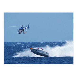 Hors-bord et hélicoptère aéroportés carte postale