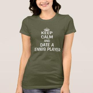 Houd kalm en dateer een tennisspeler t shirt