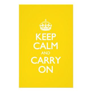 Houd Kalm en draag - de Gele Witte Tekst van de Briefpapier