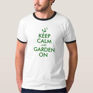 Houd Kalm en Tuin op het T-shirt van de Bel