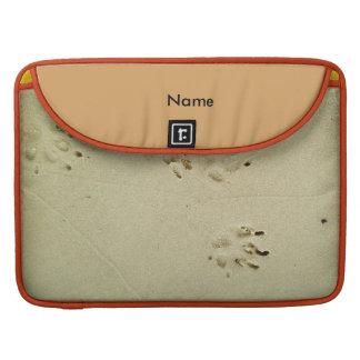 Housse Pour Macbook Copies de chiot dans le sable