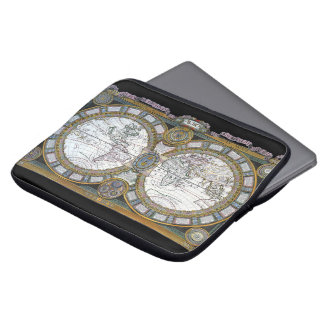 Housse Pour Ordinateur Portable Carte antique du monde par Claude Auguste Berey,