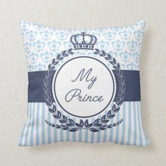 Il garnit de coussins My Prince