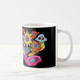 Illustration de bande dessinée des fleurs, sur une mug blanc