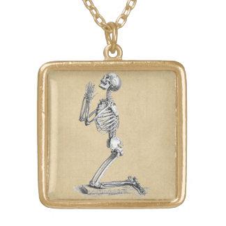 Illustration de squelette d'anatomie collier plaqué or