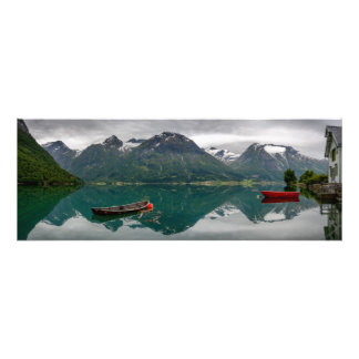 Impression Photo Deux bateaux à rames avec la réflexion dans une