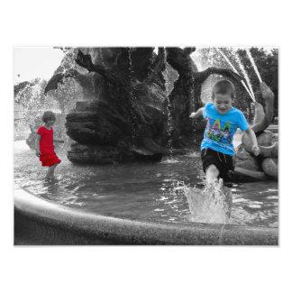 Impression Photo Enfants jouant dans l'affiche d'éclaboussure de