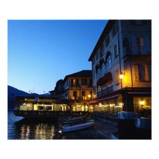 Impression Photo Soirée par le lac en Orta San Giulio, Italie