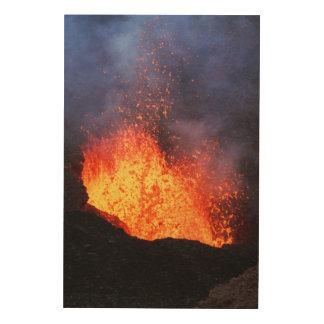 Impression Sur Bois Fontaine d'éruption chaude de lave de cratère de