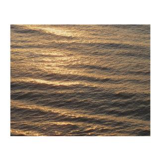 Impression Sur Bois Le lever de soleil sur l'océan arrose la