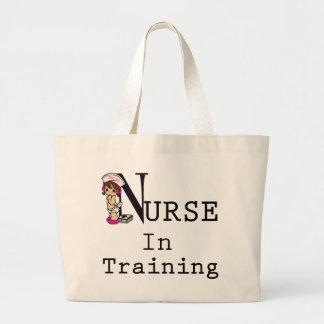 Infirmière dans la formation grand sac