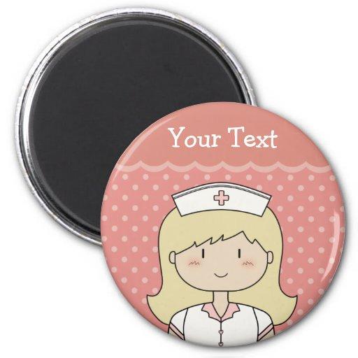 Infirmière mignonne de bande dessinée (blonde) aimants pour réfrigérateur
