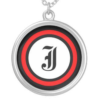 Initiale rouge de cercle pendentif rond