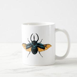 Insecte animal mignon d'insecte de scarabée de mug blanc