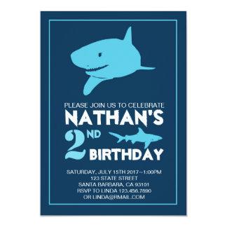 Invitation d'anniversaire de requin pour le garçon