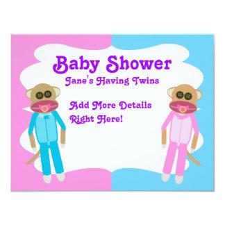 Invitation de blanc de jumeaux de garçon et de