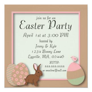 Invitation en pastel de Pâques d'oeufs, de lapin