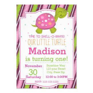 Invitation rayée d'anniversaire de tortue (rose)