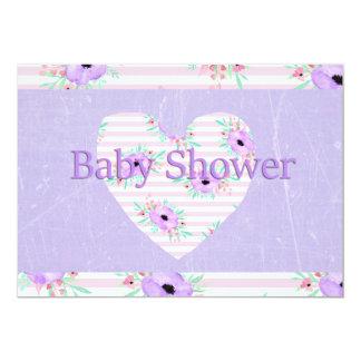 Invitations florales pourpres de baby shower pour