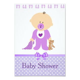 Invitations pourpres de baby shower