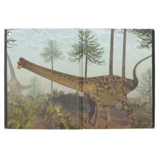 "iPad Pro 12.9"" Case Dinosaures de Diplodocus parmi les arbres"