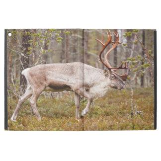 """iPad Pro 12.9"""" Case Renne marchant dans la forêt"""