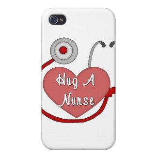 iPhone 4/4S Case Étreignez une infirmière