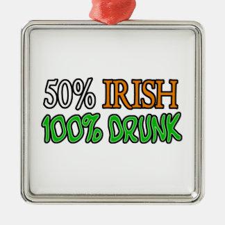 Irlandais de 50%, 100% ivre ornement carré argenté