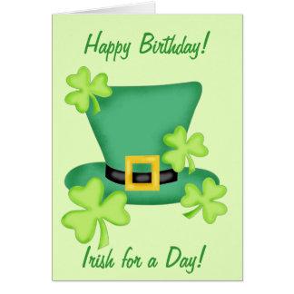 Irlandais pour un shamrock de joyeux anniversaire carte