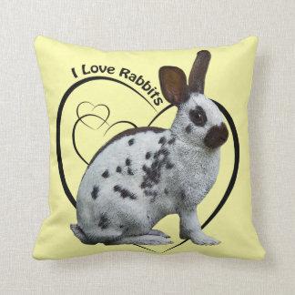 J'aime le coussin de lapins (jaune-clair)