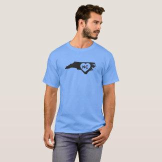 J'aime le T-shirt foncé des hommes d'état de la