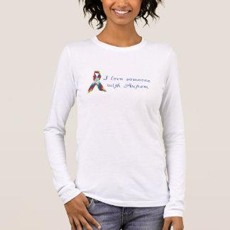 J'aime quelqu'un avec l'autisme t-shirt à manches longues
